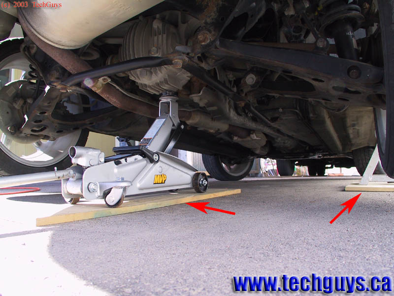 Techguys Ca How To Jack Up A Vehicle Using A Floor Jack